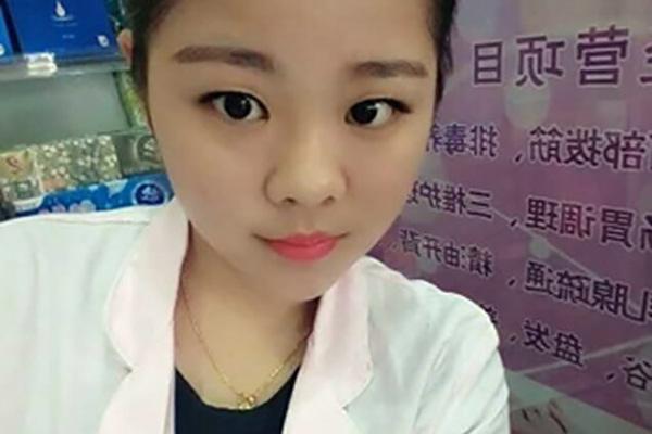 高薪彩妆师:菲菲学员陈红波